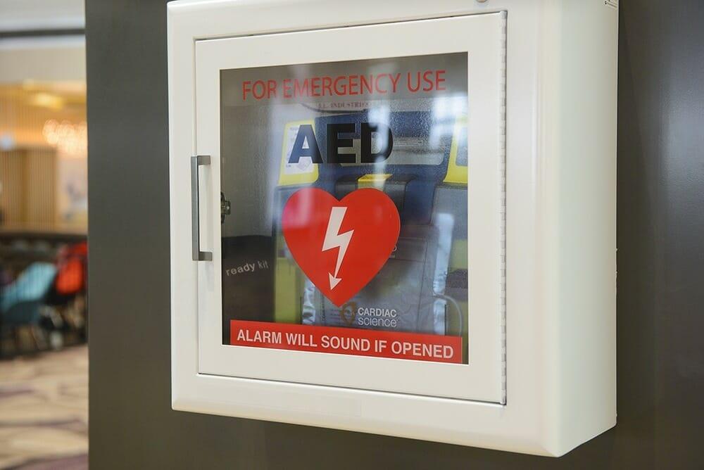 Defibrillators will soon be required on Ontario public premises